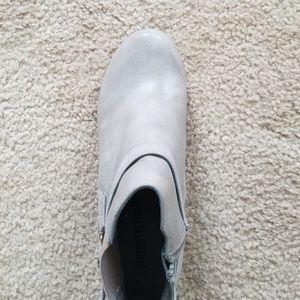 secret celebrity Shoes - Gray Wedge heel Bootie